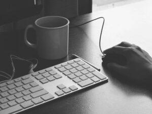 誰かの「あの人」になるために、ブログを書き続けろ